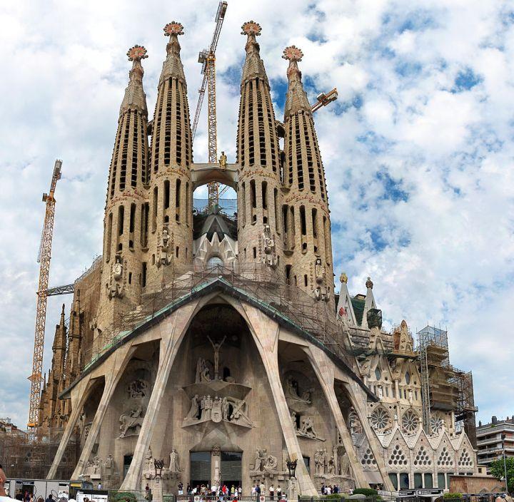 la sagrada familia, barcelona, gaudi